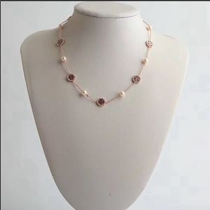 NWOT Tory Burch Crystal Pearl Logo Necklace